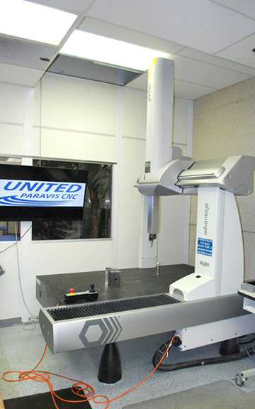 Photo of Our 5 Axis Hurco VMX42SR Machine