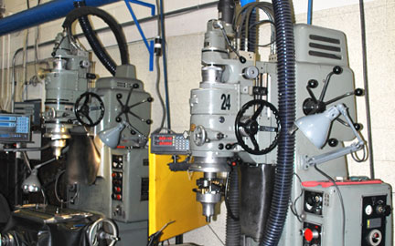 Photo of our Linear 618 Grinding Machine
